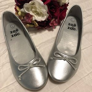 Little girls silver ballet style shoes in size 1